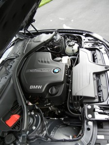 328i BMW 2012 Engine